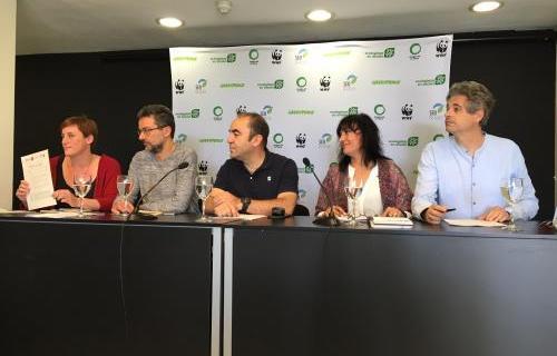 Representantes de las organizaciones presentando el documento. Foto: Miguel A. Valladares/WWF