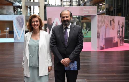 El presidente de la Fundación Endesa, Juan Sánchez-Calero, y la presidenta de la Fundación máshumano, María Sánchez-Arjona.
