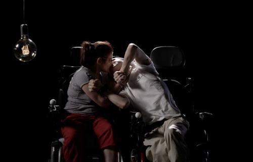 Mari Carmen y José Manuel, dos personas con parálisis cerebral que tratan de llevar adelante su relación de pareja