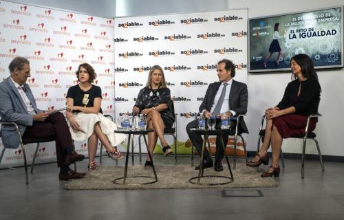 Participantes en la jornada El desarrollo de la mujer en la empresa: el reto de la igualdad'.