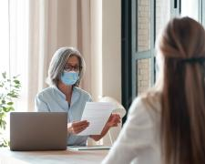 La contratación de mujeres se desploma un 29% por el coronavirus