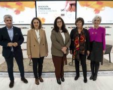 Blanca Hernández, Conchita Navarro, Eulalia Alemany y Carmen Guaita junto al moderador, Chema Doménech.