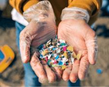 Castoplastic ha desarrollado una tecnología para limpiar los microplásticos del agua.